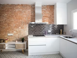 Grupo Inventia Cocinas de estilo moderno Compuestos de madera y plástico Blanco