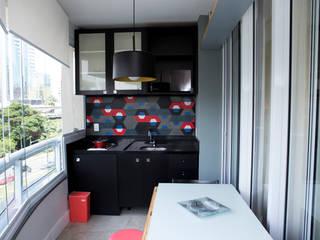Reforma e decoração em studio: Armários e bancadas de cozinha  por AGap Arquitetura e Planejamento,Moderno