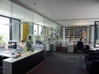 Hauptverwaltung TMP Fenster + Türen GmbH Moderne Bürogebäude von PlanKopf Architektur Modern