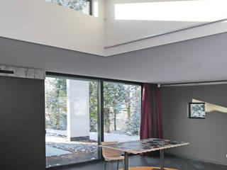Ruang Studi/Kantor Modern Oleh Archipelontwerpers Modern
