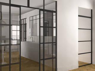 Appartement Haussmannien : Couloir et hall d'entrée de style  par Agence Delphine Coipel
