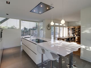 Cozinhas modernas por CHORA architecten Moderno