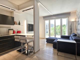 Appartamento: Soggiorno in stile  di Silvana Barbato, StudioAtelier