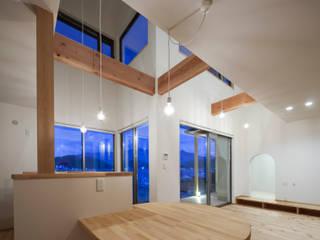 Sala da pranzo in stile  di 内田建築デザイン事務所