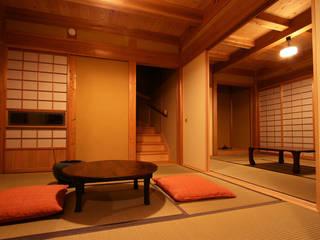 木造伝統工法の日本家屋「調布の家」: 木造伝統構法 惺々舎が手掛けた和室です。,