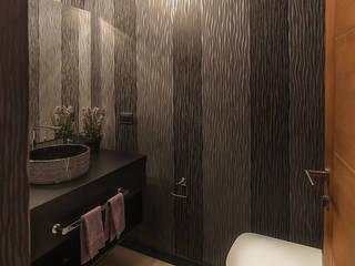 Salle de bain moderne par Bauer Arquitectos Moderne
