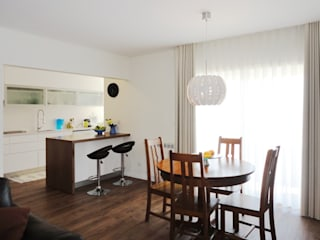 Apartamento na Praia da Vagueira, Vagos Salas de jantar modernas por GAAPE - ARQUITECTURA, PLANEAMENTO E ENGENHARIA, LDA Moderno