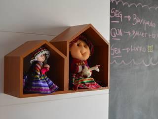 Dormitório Carolina: Quarto infantil  por DH Arquitetura,Eclético