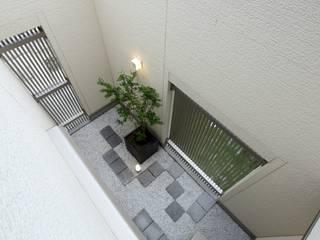 やまぐち建築設計室 Zen garden Tiles White