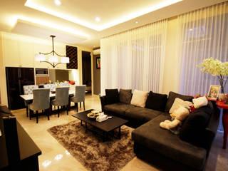 Mr Linggo private residence Ruang Keluarga Modern Oleh Kottagaris interior design consultant Modern