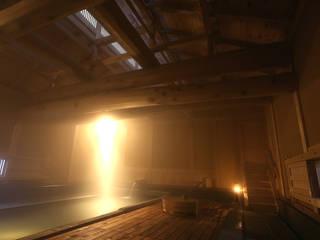 伝統工法の大浴場: 木造伝統構法 惺々舎が手掛けたホテルです。,