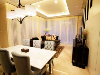 Mr Linggo private residence Ruang Makan Modern Oleh Kottagaris interior design consultant Modern