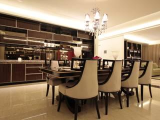 Mr Rino private residence Ruang Makan Modern Oleh Kottagaris interior design consultant Modern