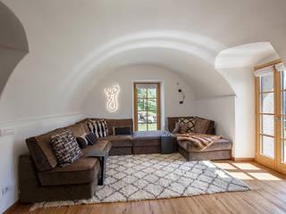 BEARprogetti - Architetto Enrico Bellotti Rustikale Wohnzimmer