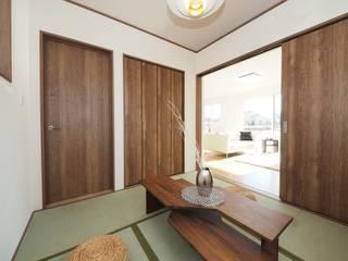 Live Sumai - アズ・コンストラクション - Media room Wood Wood effect