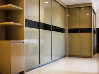 Graha family Blok J:   by KOMA living interior design