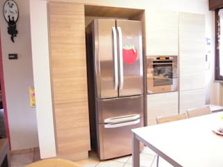ARREDAMENTI VOLONGHI s.n.c. KitchenStorage Chipboard Wood effect