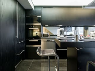 Ohlde Interior Design Dapur built in Kayu Black