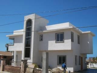 CASA JSC ROSARITO B.C. Casas mediterráneas de WOLF ARQUITECTURA Mediterráneo