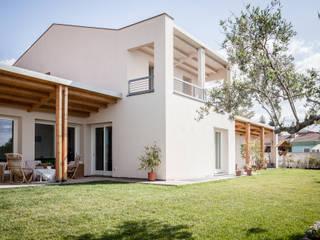 Casas de estilo mediterráneo de Studio di Architettura Ortu Pillola e Associati Mediterráneo