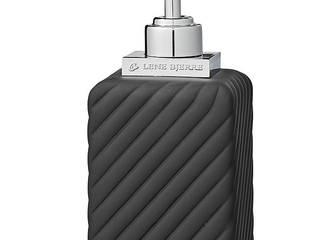 Dozownik do mydła czarny Roberta Dispenser Lene Bjerre: styl , w kategorii  zaprojektowany przez PRIMAVERA HOME