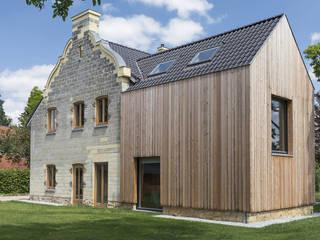 De Nieuwe Context Terrace house Sandstone Wood effect