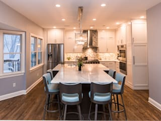 Eclectic style kitchen by PERFORMANCE KITCHENS & HOME Eclectic Solid Wood Multicolored