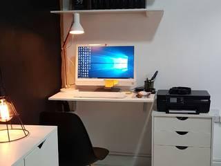 Projeto de interiores para o escritório de uma produtora de vídeo:   por Laura Monte Palma Arquitetura e Interiores