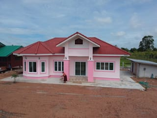 บ้านชั้นเดียวของคุณบุญเชิด จรดี.:   by บ้านดี สถาปนิก