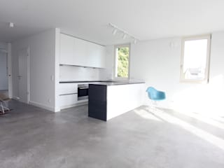 Neubau an der Himmelsbachseidlung Bingen Kempten Minimalistische Küchen von Neugebauer Architekten BDA Minimalistisch