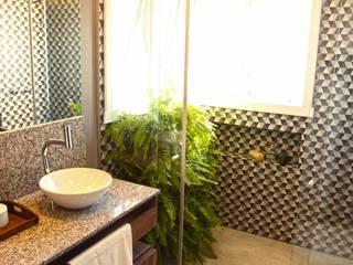 Modern Bathroom by COB Arquitetura e Design Modern