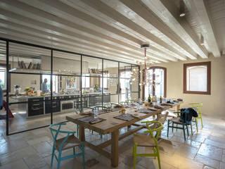 Встроенные кухни в . Автор – zanon architetti associati, Кантри