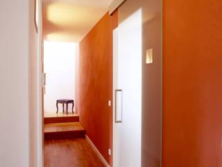 Innenarchitektur eines Neubaus Moderner Flur, Diele & Treppenhaus von Monika Schäfers Innenarchitektur Modern