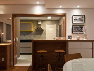 Residência Montedonio: Salas de estar  por Mazzark Arquitetos,Minimalista