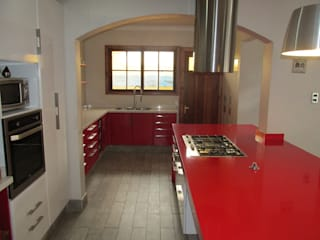 ABS Diseños & Muebles KitchenCabinets & shelves Plywood Red