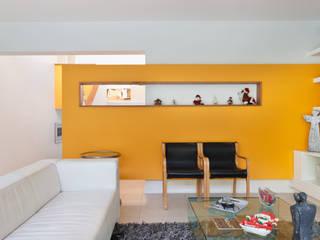 Salas de estilo  por [ER+] Arquitectura y Construcción