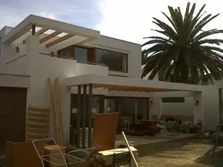 [ER+] Arquitectura y Construcción Mediterraner Balkon, Veranda & Terrasse