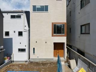 スキップフロアの家/神楽坂: 前田敦計画工房が手掛けた家です。