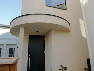 天空からの光を楽しむ家: 前田敦計画工房が手掛けた家です。