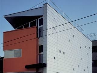 銃眼窓の家(愛猫家住宅): 前田敦計画工房が手掛けた家です。