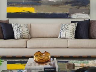 Eclectische woonkamers van Gustavo Ribeiro Arquitetura & Interiores Eclectisch