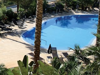7 hotels with swimming pools: from south to north. の Soleo