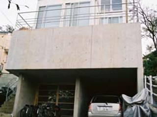 ガラスの家: 前田敦計画工房が手掛けた家です。