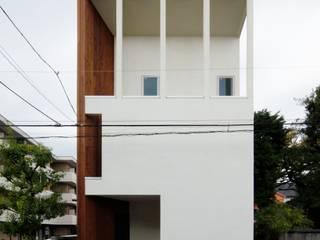 逆遠近法の家: 前田敦計画工房が手掛けた一戸建て住宅です。