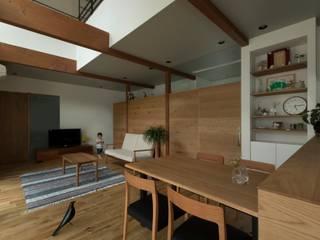 Konan House: ALTS DESIGN OFFICEが手掛けたダイニングです。,