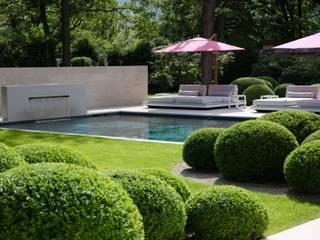 Event- und Pool - Garten in Berlin von Jürgen Kirchner Wasser + Garten Modern