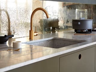 Ladbroke Minimalist kitchen by NAKED Kitchens Minimalist