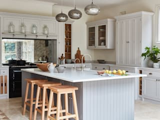 Norfolk Vicarage Country style kitchen by NAKED Kitchens Country