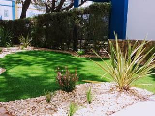 Instalação de Relva Artificial - Praia Verde: Jardins  por JARDIMGARVE,Minimalista