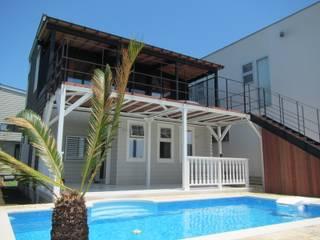神奈川県 個人邸  (6.0m×3.0m レクタングル形状): プールカンパニー 株式会社プロスパーデザイン プール事業部が手掛けたビーチハウス・クルーザーです。,モダン